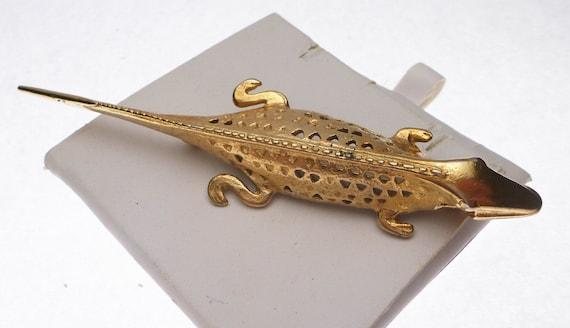Iguana Gold Tone Pin