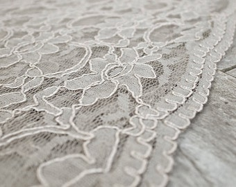 Heirloom Wedding Chuppah Canopy (scallop lace beige)
