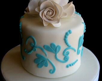 white fondant roses,flowers for weddings, gumpaste flowers, wedding cake topper, edible flowers, edible fondant cake toppers