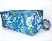 Cosmetic bag, makeup case, zipper pouch for gadgets, crafts storage, travel, blue paisley