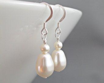 Bridesmaids Earrings, Wedding pearl jewelry, Bridal earrings, Simple pearl drop, sterling silver, Swarovski white ivory pearls