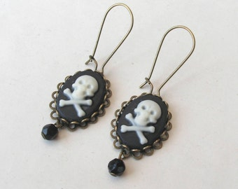 Skull Earrings, Filigree Earrings, Skull and Crossbones Earrings, Pirate Earrings, Drop Earrings