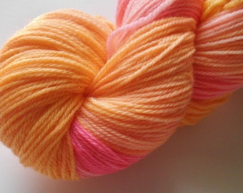 Hand dyed yarn, fingering weight, Superwash Merino, 493 yds, Orink