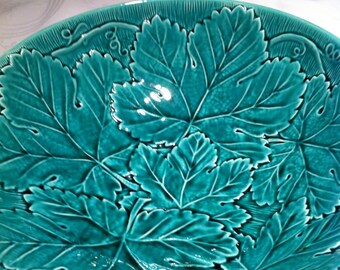 Stunning Wedgwood Green Leaf Bowl