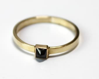 Black Diamond Pyramid Ring (14K yellow gold)