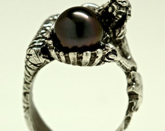 Black Pearl Mermaid Ring