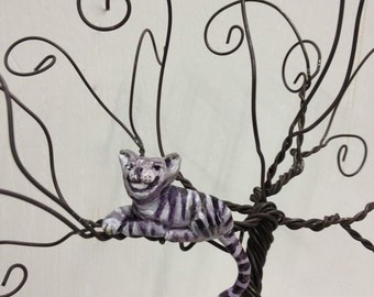 Add a Cheshire Cat Pet Sculpture to any Jewelry Tree
