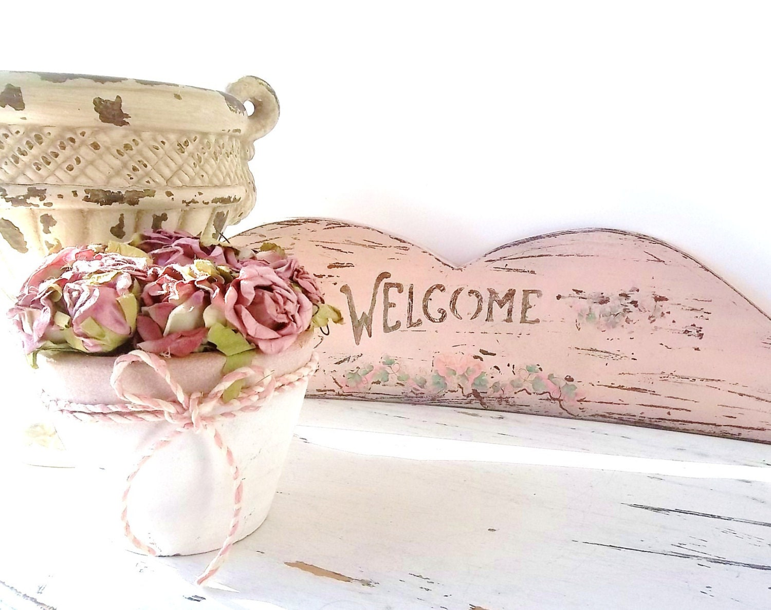 Mallard Green Industrial Metal Pendant 18195 P additionally Home Office Brick Walls further Meubles Decoration Design Salon Moderne besides Rustic Wel e Sign Pink Shabby Chic likewise Greeting Card Banner With Colorful Paper Butterflies Vector 6781866. on vintage modern home decor