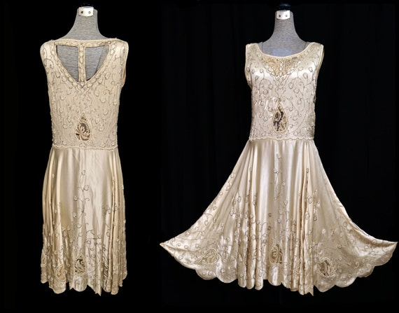 Vintage 20s Dress // 1920s Beaded Dress // 20s Flapper Dress // Ivory Champagne Silk Wedding Dress // Heavily Beaded