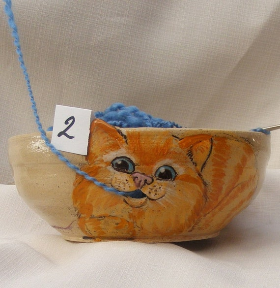 Yarn bowl, Stoneware Ceramic yarn bowl, with engraved playful cat No.2