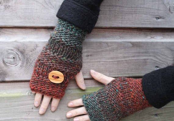 handknit mittens with wooden  button in mixed green and russet