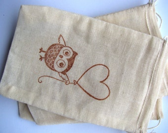 25  'Owl with heart balloon'  stamped muslin drawstring bags