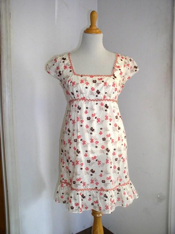 Vintage 1980s Womens Dress / Empire Waist Babydoll Mini Dress Spring Dress Easter Dress