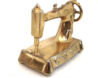 tiny brass sewing machine gold sew dolls house 80s 1980s sew gift