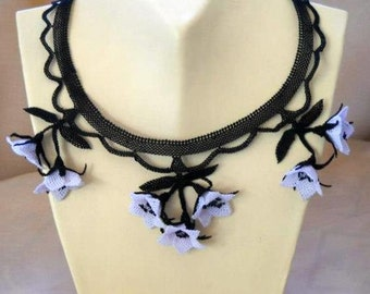 crochet necklace,Black and White Creme Floral Crochet Necklace,White Flower Necklace,Crochet Floral Bib,Bridal necklace,Statement Necklace,