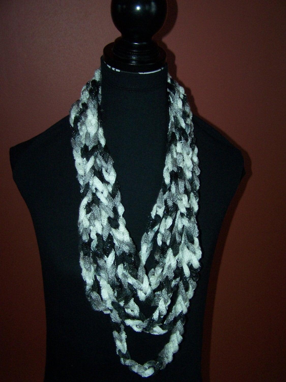 continuous hip hop crochet chain scarf