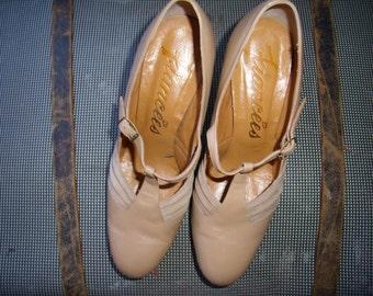 1970s Caramel Beige Buckle High Heels
