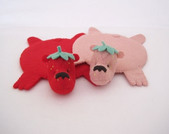 StrawBeary Rug Coaster (Set of Two)