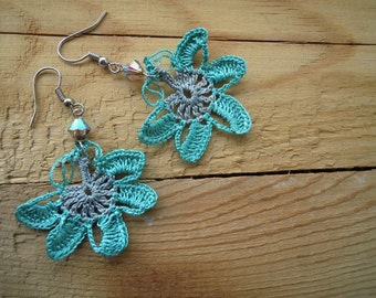 crochet flower dangles, earrings, turquoise, grey