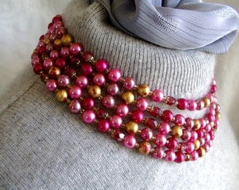 Multistrand NECKLACE. Beaded Necklace. Pink Bead Necklace. gold w/shades of PINK. vintage. 1940s.