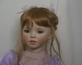Large porcelain doll (Shannon)