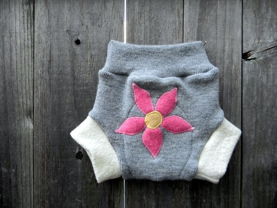 Upcycled Wool Soaker Cover Diaper Cover With Added Doubler Light Gray/White With Flower Applique SMALL 3-6M  Kidsgogreen