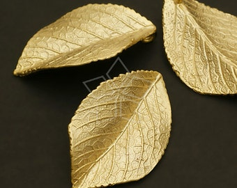 PD-546-MG / 2 Pcs - Fallen Leaves Pendant, Matte Gold Plated over Brass / 19mm x 31mm