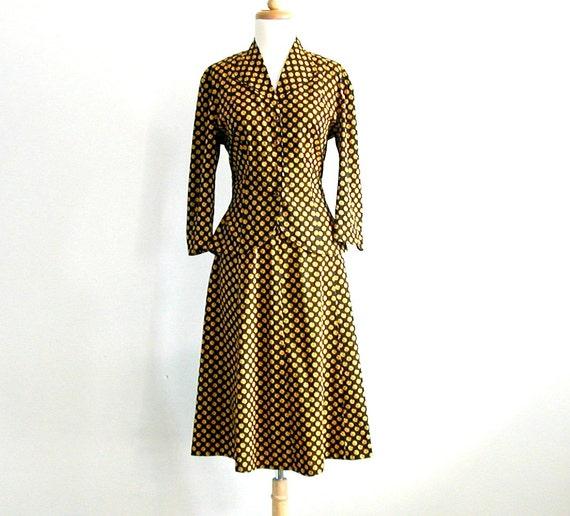 1940s Suit / 40s skirt suit / fitted jacket / Serbin / black gold suit / two piece set / womens suit / medium
