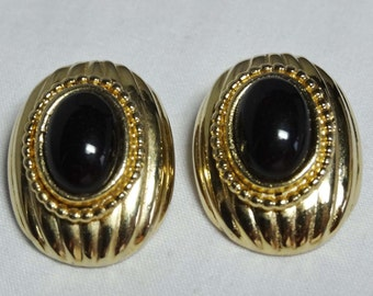 Signed Donald Standard Faux Black Onyx Clip-on earrings Apparel & Accessories Jewelry Vintage Jewelry Earrings Clip On Earrings