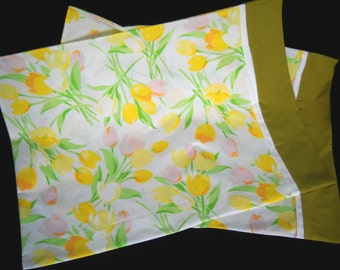 Pillowcase Pair Spring Tulip Print Flowers Floral Standard Size Hand Made Vintage Fabric