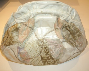 80s Vintage cream white pink tapestry patchwork embroidered leather frame clutch bag purse L