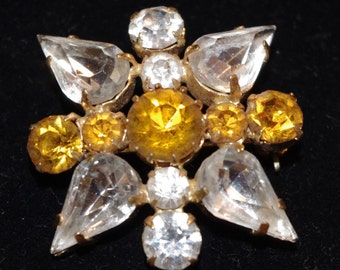 Vintage - Stunning - Bright and Sparkly - Brooch Pin - c1950s