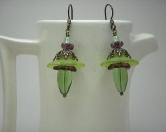 Lucite flower bead dangle earrings