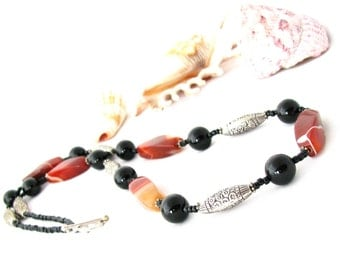 Amber Dreams Necklace Agate and Onyx