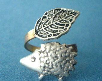leaf and hedgehog ring, adjustable ring, animal ring, silver ring, statement ring