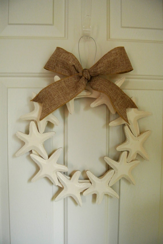 Items similar to starfish wooden wreath with burlap ribbon for Beach house decor items