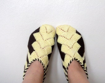 Yellow and Brown Hand knit women house slipper-Adult size Winter Home Slippers