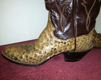 Western cowboy boots for men or women