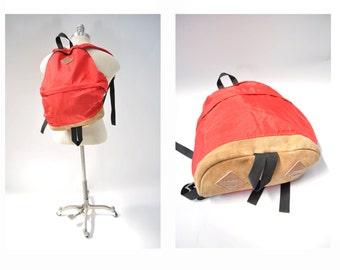 vintage backpack back pack day pack daypack 1970s teardrop rucksack ruck sack leather details.