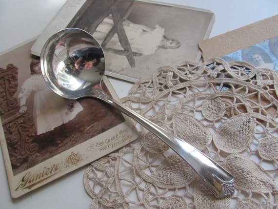 Antique Vintage Silver Plate Gravy Ladle - Courtney Pattern 1935