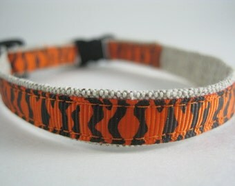 "Tiger Stripes Organic Cotton 1/2"" collar"