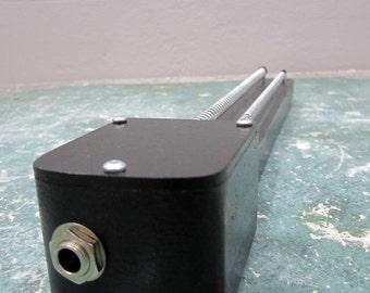 Sonic Spring Board / Experimental Instrument / electro acoustic / sound design // Electro Lobotomy