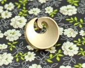 Metal Buttons - Spiral Metal Buttons , Pearl Gold Color , Shank , 0.43 inch , 10 pcs