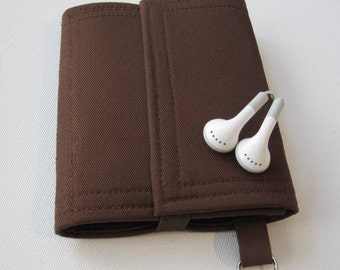 Nerd Herder gadget wallet in Just Brown for iPhone 6, Droid, iPhone 5, Samsung Galaxy S5, earbuds, SD cards, USB, guitar picks, IDs