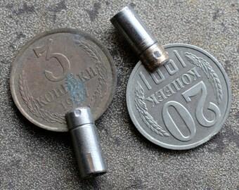 Vintage alarm clock winding knobs -- keys -- D9