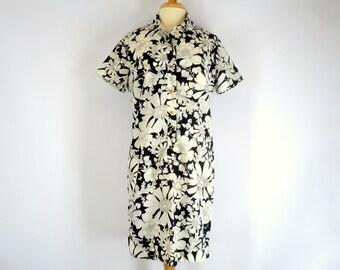 Black and White Sheath Dress Floral Print Vintage 1970s Size Medium