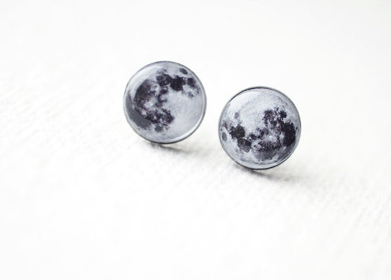 Full Moon - Astronomy jewelry - Space - Tiny Ear Studs