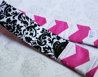 Reversible Camera Strap Cover with Lens Cap Pocket - Black and White Damask with Hot Pink Chevron