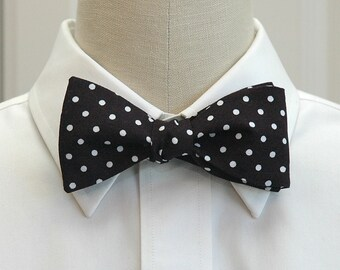 Men's Bow Tie,  black with white polka dots bow tie, traditional bow tie, ebony bow tie, black white bow tie, wedding bow tie, groom bow tie