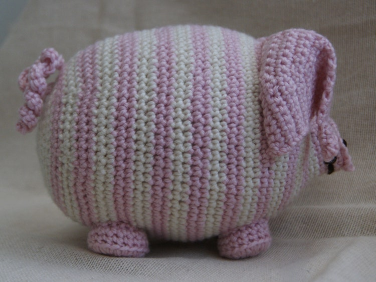 PDF Crochet Pattern for Persephone Pig UK by StringTheoryC